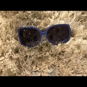Accessories - Kate Spade - blue/white trimmed sunglasses